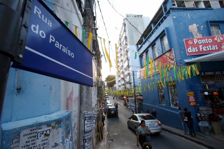 Sem drama no Paraíso: mesmo na crise, clientes fazem festas - Foto: Adilton Venegeroles / Ag. A TARDE
