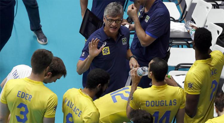 A seleção tentará manter os 100% de aproveitamento no sábado - Foto: Divulgação l FIVB
