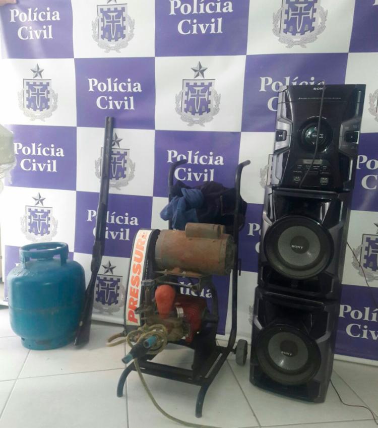 Outros objetos furtados foram apreendidos pela policia.
