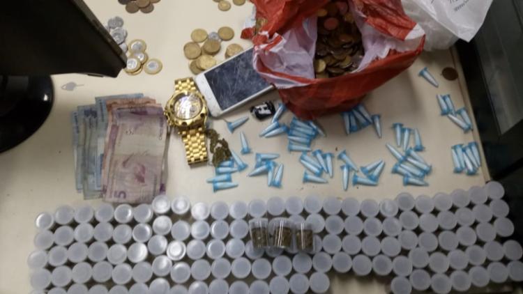 Materiais foram encontrados com o suspeito na Chapada do Rio Vermelho - Foto: Divulgação   SSP-BA