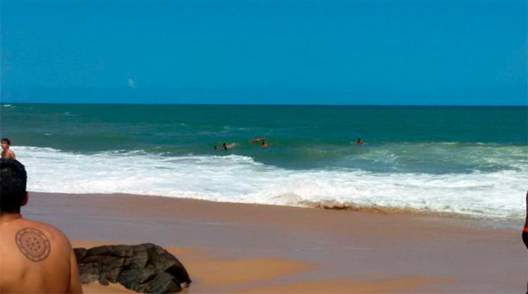 Incidente aconteceu na manhã deste sábado, 22, na praia do Buracão - Foto: Roy Rogeres | Ag. A TARDE