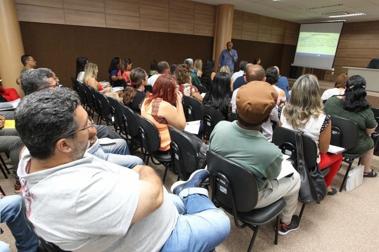 Evento reúne profissionais da área de saúde que atuam nos pólos regionais e municipais, locais prioritários no combate à febre amarela - Foto: Elói Corrêa | GOV-BA