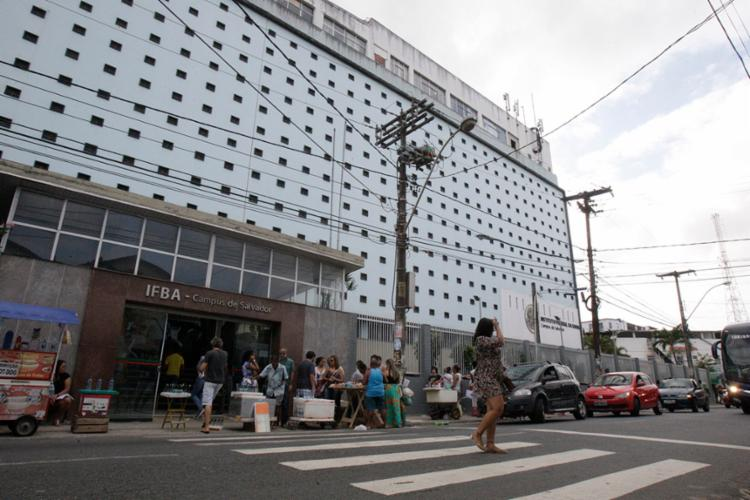 No IFBA de Salvador, alunos ainda tentam superar suicídio de professor ocorrido no ano passado