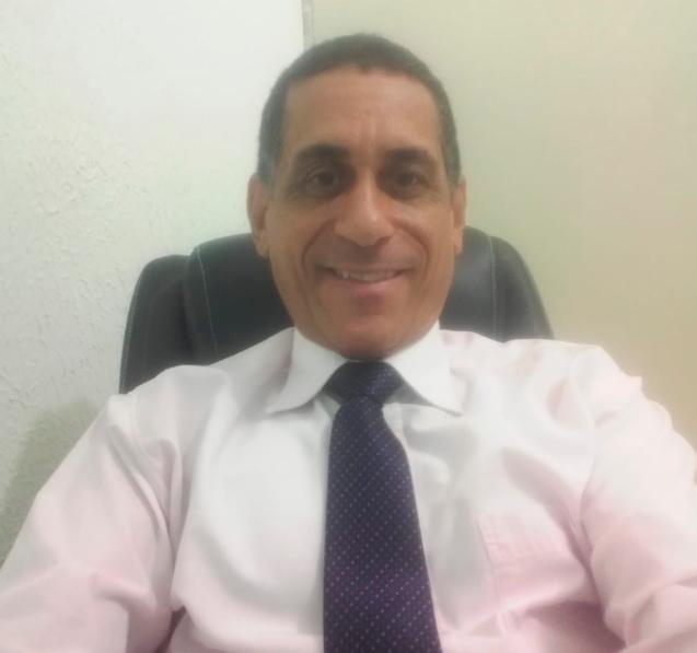 O advogado Jailton Rigaud esclarece as penas para quem compartilha correntes suicidas na internet