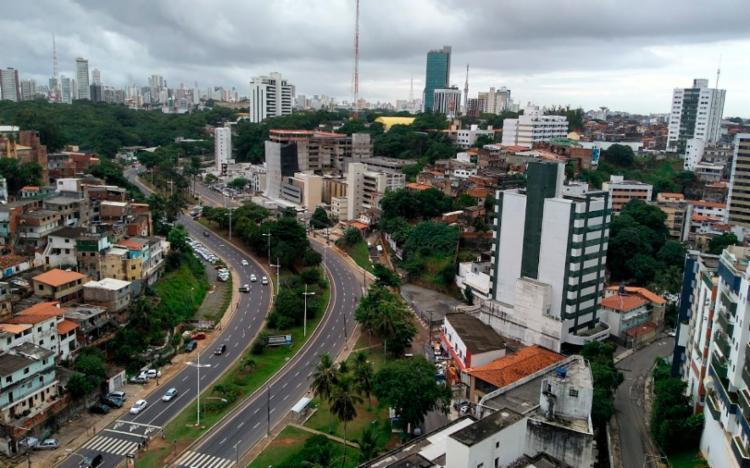Situação ocorreu na avenida Anita Garibaldi, na manhã deste domingo - Foto: Reprodução | Google Street View
