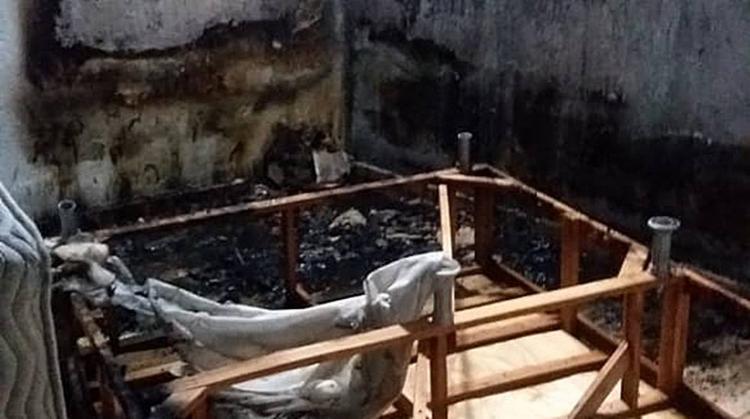Após a tentativa de homicídio, o suspeito incendiou a casa e tentou fugir - Foto: Miranda de Lima | Reprodução | site Alta Pressão