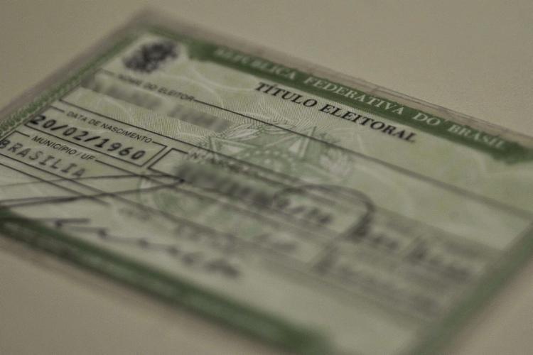 Para solicitar a segunda via do título, o eleitor deve estar em dia com a Justiça Eleitoral - Foto: Agência Brasil