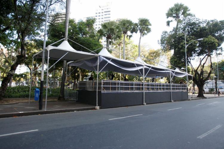 As restrições ocorrerão desde a proibição do estacionamento até o impedimento da circulação de veículos - Foto: Luciano Carcará | Ag. A TARDE