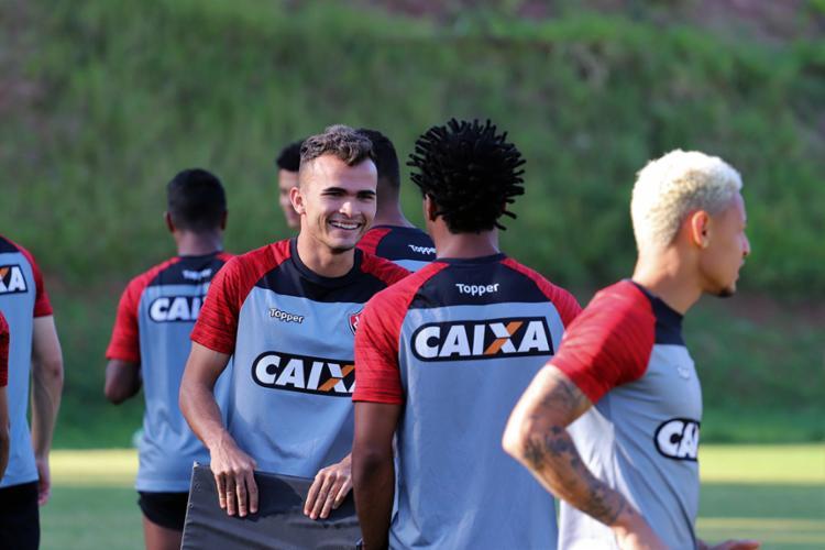 Atacante pode ganhar vaga no time titular diante do Botafogo - Foto: Maurícia da Matta | EC Vitória
