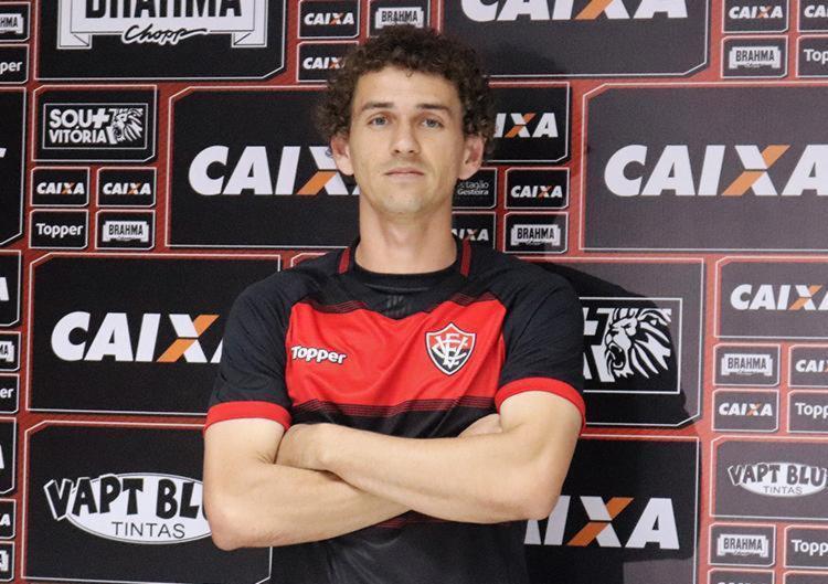 Fabiano foi contratado em definitivo pelo Rubro-Negro com contrato até o fim de 2020 - Foto: Maurícia da Matta   EC Vitória