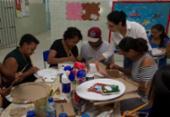 Centro Educacional realiza oficina de artesanato para mães de alunos com autismo | Foto: Alberto Coutinho | Divulgação | GOV-BA