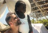 Bruno Gagliasso revela ter se conscientizado sobre racismo após adotar Titi | Foto: