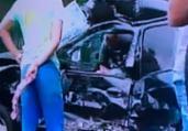 Motorista fica preso às ferragens em colisão na Paralela | Reprodução | TV Record