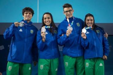 Quarteto é formado por André Calvelo, Lucas Peixoto, Rafaela Raurich e Ana Carolina Vieira - Foto: Jonne Roriz | Exemplus | COB
