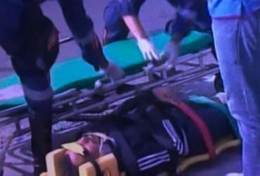 Motociclista fica ferido em colisão entre carro e moto na ACM | Reprodução | TV Record