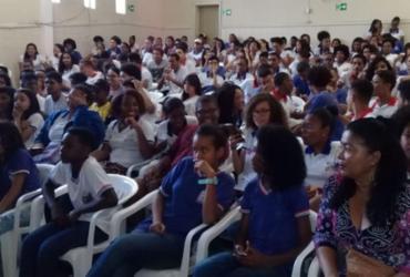 Jovens de Alagoinhas participam de encontro de Ciência