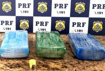 Mulher é presa com cocaína e documentação falsa na BR-116 | Divulgação | PRF