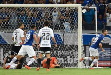 Cruzeiro vence Corinthians no Mineirão e abre vantagem na final da Copa do Brasil | Douglas Magno l AFP