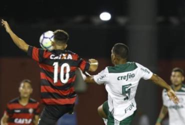Veja imagens de Vitória x Palmeiras pelo Brasileirão sub-20 |