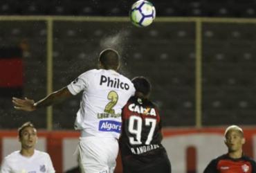 Veja imagens de Vitória x Santos pelo Brasileirão |