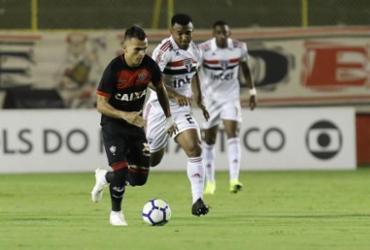 Veja imagens de Vitória x São Paulo pelo Brasileirão  