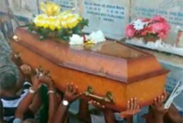 Amigos e fãs dão último adeus ao babalorixá Martins Lopes, um dos fundadores do Olodum | Tânia Araújo | Ag. A TARDE