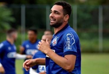Gilberto treina e deve jogar contra o Paraná; ingressos se esgotam | Felipe Oliveira l EC Bahia