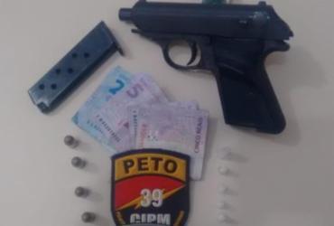 Suspeito é detido com pistola alemã e droga no Jardim Armação | Divulgação | SSP-BA