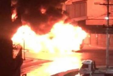 Ônibus é incendiado durante manifestação na Sete Portas | Cidaddão Repórter l Via WhatsApp