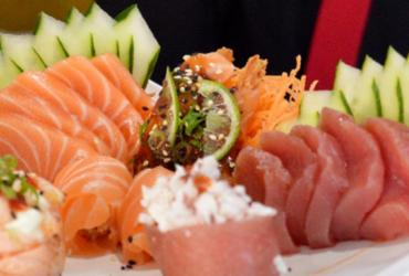Dia do Sushi Rosa: restaurante doará 5% das vendas para GACC   Divulgação