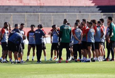 Vitória mira triunfo contra o Corinthians para afastar fantasma do Z-4 | Maurícia da Matta l EC Vitória