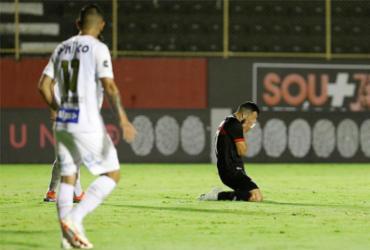 Vitória cai para o Santos, perde a quarta seguida e se mantém no Z-4 | Adilton Venegeroles / Ag. A TARDE