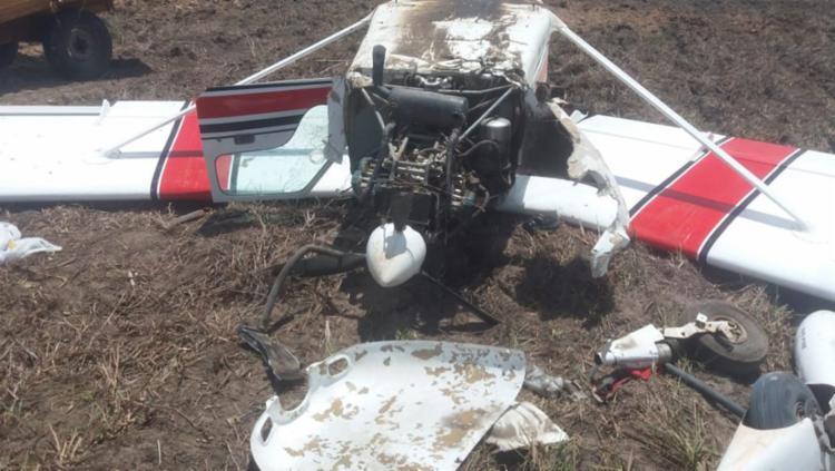Avião de pequeno porte ficou destruído após pouso de emergência - Foto: Divulgação | SSP-BA