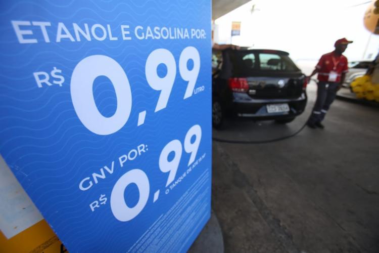 Combustível é comercializado no Posto Shell de Amaralina - Foto: Raul Spinassé | Ag. A TARDE