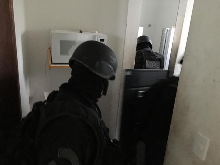 Após negociações com o Batalhão de Operações Policiais Especiais (Bope) o suspeito se entregou - Foto: Divulgação | SSP-BA