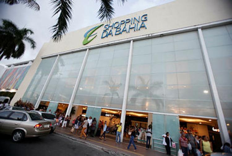 O atropelamento aconteceu em frente ao shopping da Bahia - Foto: Joá Souza   Ag. A TARDE