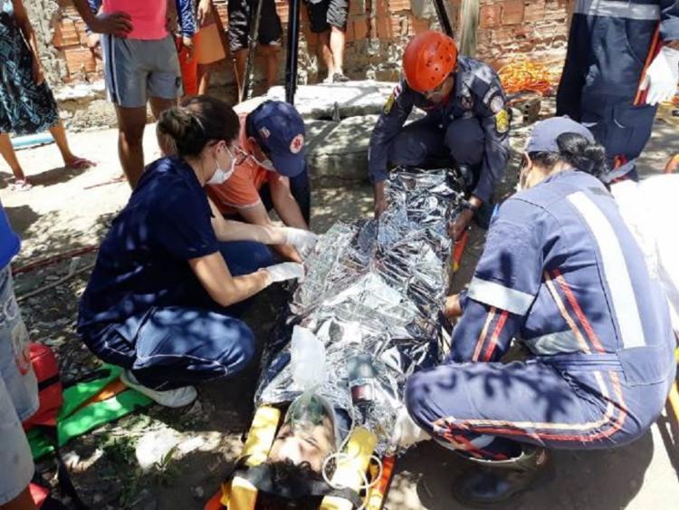 A vítima foi levada para o Hospital Geral Clériston Andrade, em Feira - Foto: Reprodução | Paulo José | Acorda Cidade