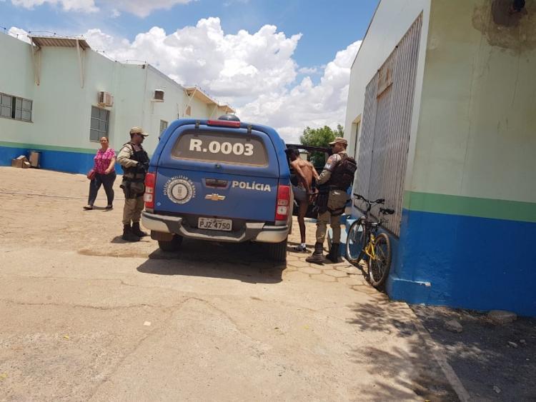 O jovem procurou uma Unidade de Pronto Atendimento (UPA), mas foi apreendido pelos PMs - Foto: Weslei Santos | Blog do Sigi Vilares