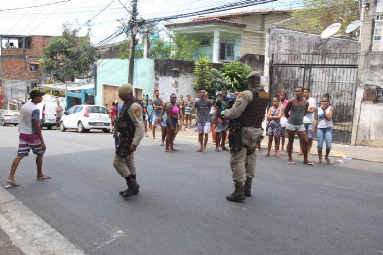 Comunidade protesta contra ação da polícia em Pela Porco - Foto: Luciano da Matta | Ag. A TARDE
