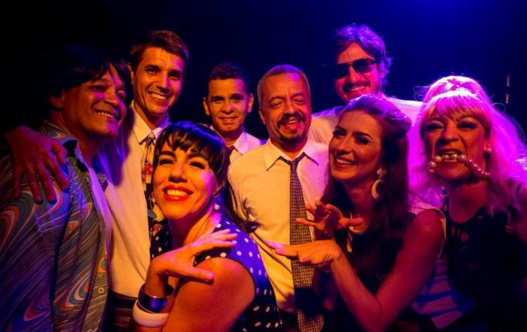 Show do grupo reúne humor, performance e sucessos musicais das décadas de 1960 e 1970 - Foto: Diney Araújo | Divulgação