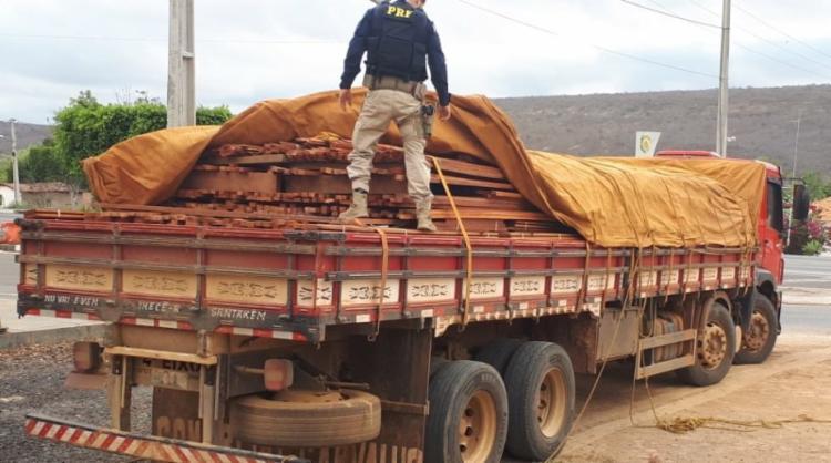 A carga foi adquirida no Pará e seria entregue em Ibitiara - Foto: Divulgação| PRF