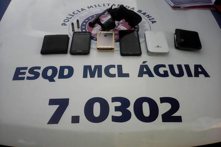 Material apreendido pela polícia com os suspeitos - Foto: Divulgação l SSP-BA