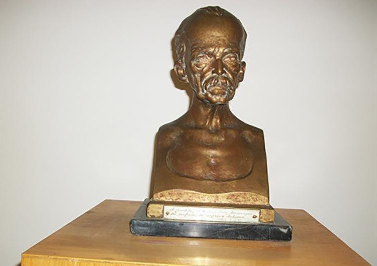 Busto de Ruy Barbosa em bronze é uma das 15 peças que foram furtadas - Foto: Divulgação