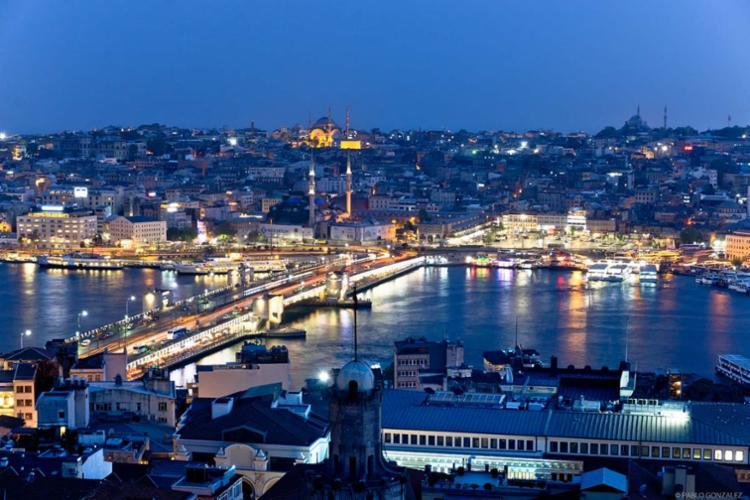 Vista noturna de Istambul - Foto: Pablo Gonzales
