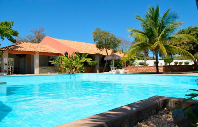 Marcos foi encontrado desacordado na piscina do Hotel San Filipo - Foto: Reprodução | Booking.com