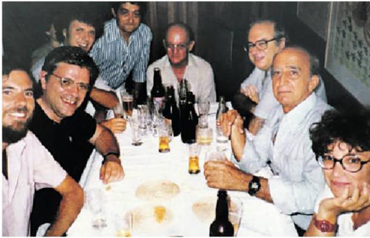 Reunião no Rio: Tarik de Souza, H.S., Rafael Sábat, Gravata, Jaguar, Luis Fernando Veríssimo, Millôr Fernandes e Cora Ronai - Foto: Divulgação