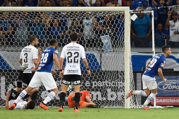 O atacante Thiago Neves marcou o gol da vitória cruzeirense no finalzinho do primeiro tempo - Foto: Douglas Magno l AFP