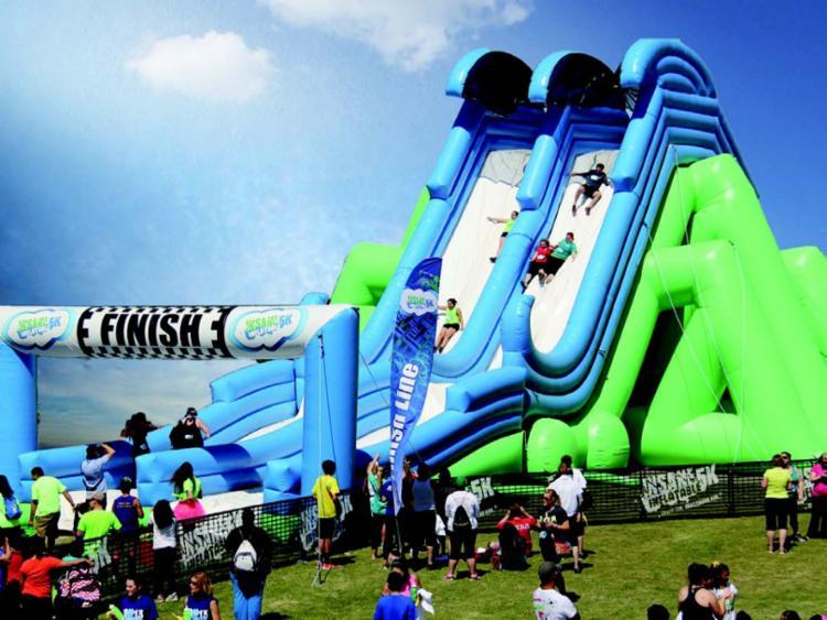 O evento é composto por uma corrida repleta de obstáculos infláveis e desafios - Foto: Divulgação