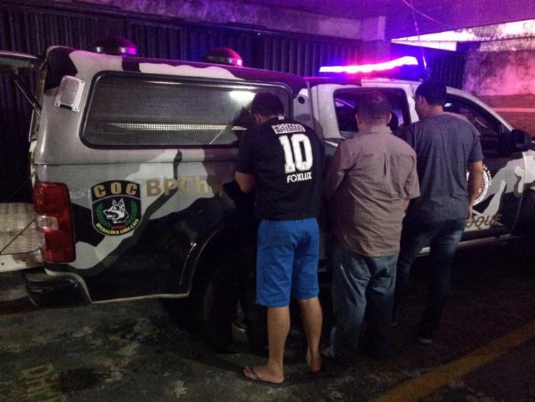 Trio foi preso ao sair de um hotel no Porto da Barra - Foto: Divulgação   SSP-BA