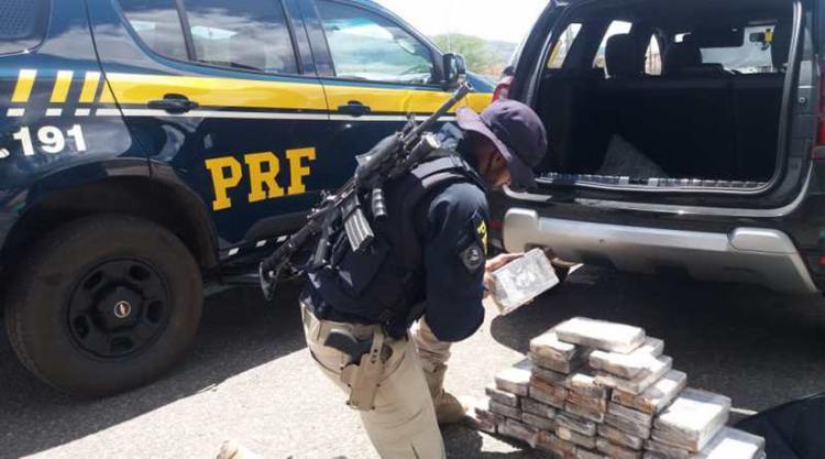 Cerca de 221 kg de maconha e 63 kg de cocaína foram tiradas de circulação em toda a Bahia - Foto: Divulgação   PRF
